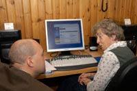 Statsministerbesök hos SeniorNet i Östersund
