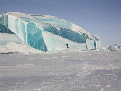 Frusen våg i Antarktis