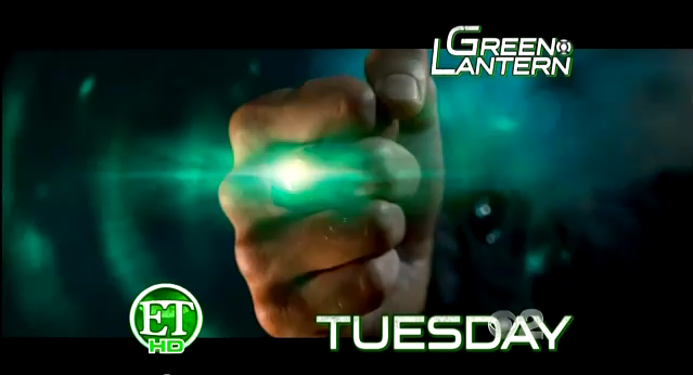 ryan reynolds green lantern costume controversy. ryan reynolds green lantern
