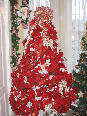 Melody Poinsettia Tree