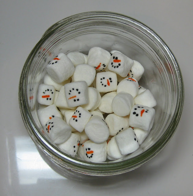 mini marshmallow snowman