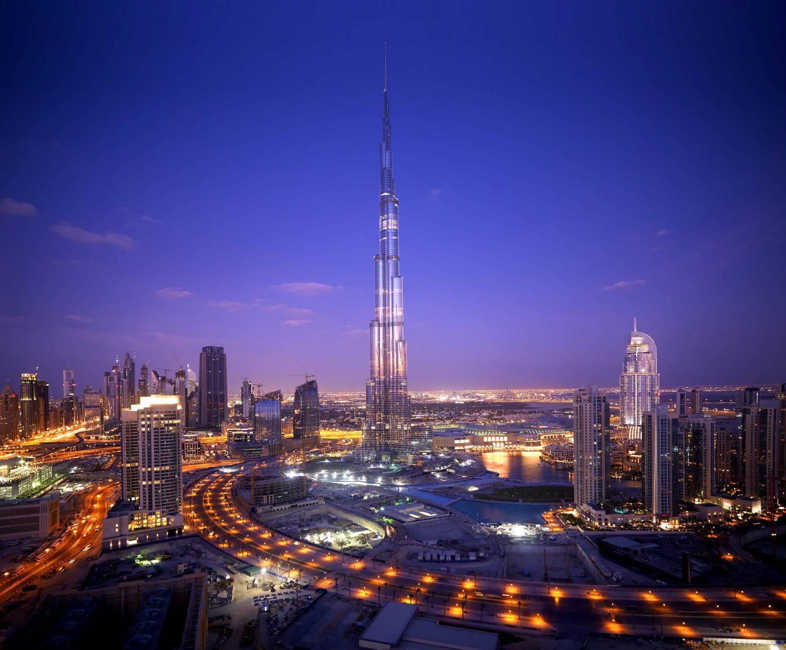 Dubai constructions update by imre solt emaar to observe for Dubai hotels near burj khalifa