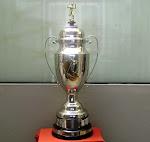 El trofeo de la Copa Perú