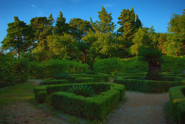 Лабиринт в парке на о-ве Локрум