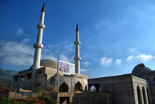 Мечеть рядом со Старым Баром