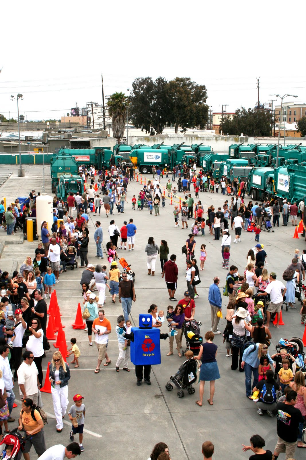Record Attendance With More Than 3,000 At The West LA Open House!