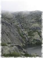 A cascata ao vivo é muito mais impressionante