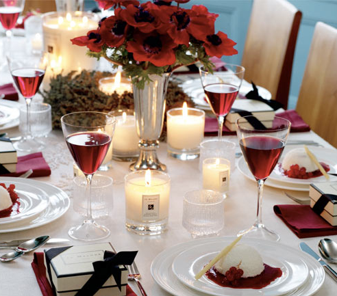 Red and White Christmas Tablescapes