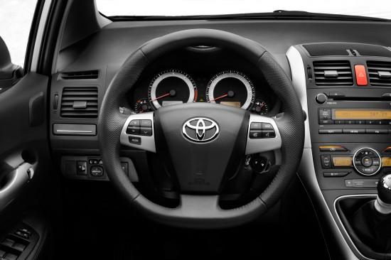 2010 Toyota Auris. 2010 Toyota Auris Interior