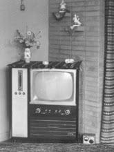 DESLIGUE SUA TV, VÁ LER UM LIVRO