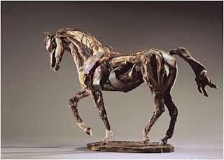 Cavalo de madeira no museu