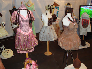 Vestidos curtos decorados com Chocolate