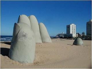 Escultura de Ponta dos dedos no Uruguay