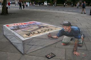 Desenho ardina com jornais - Desenhos tridimensionais na calçada - Giz - Julian Beever
