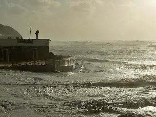 Mar gigantesco - São Pedro de Moel - Ondas invadiram areal