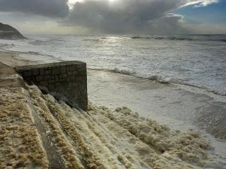 Mar revolto - São Pedro de Moel - Ondas invadiram areal