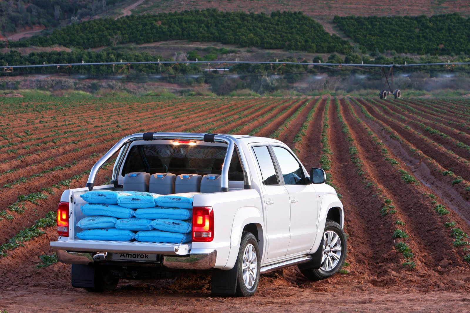 in4ride volkswagen amarok breaks into sa. Black Bedroom Furniture Sets. Home Design Ideas