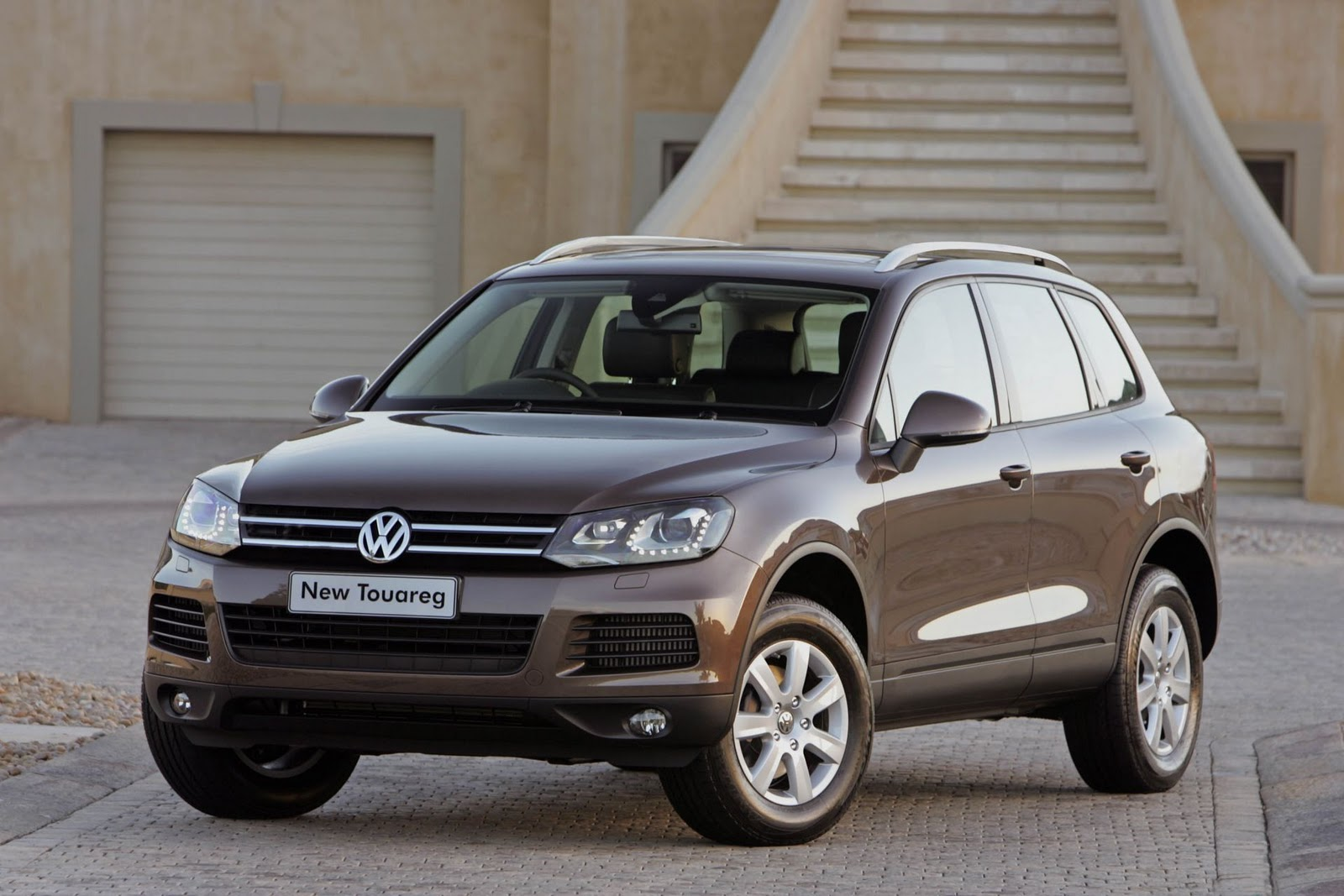 in4ride driven volkswagen 39 s all new 2010 touareg. Black Bedroom Furniture Sets. Home Design Ideas