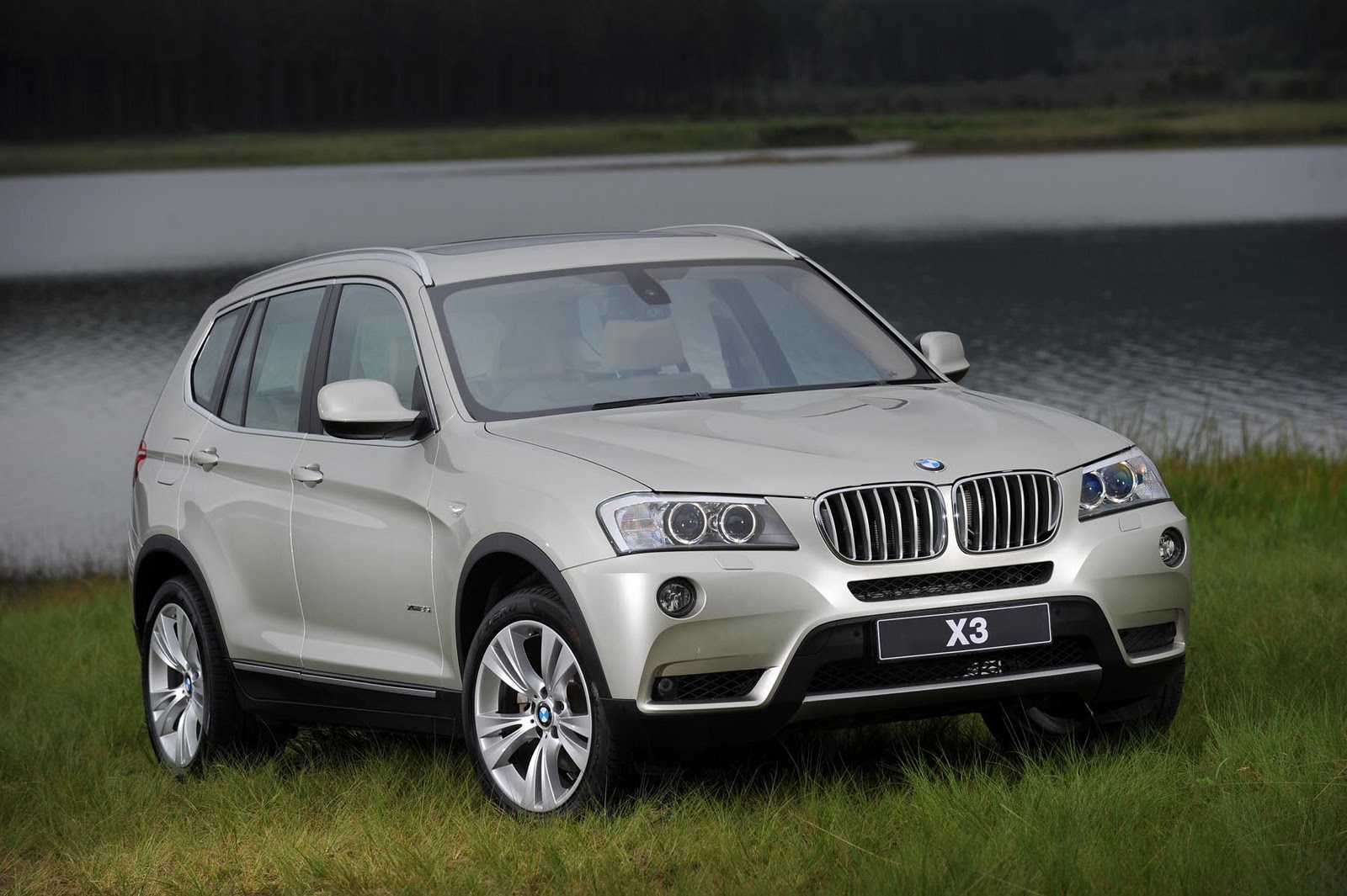 in4ride 2011 bmw x3 arrives in south africa. Black Bedroom Furniture Sets. Home Design Ideas