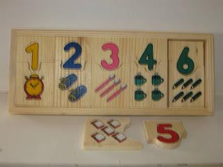 Imagen de dominó de números y cantidad. Haz click o presiona enter para agrandar.