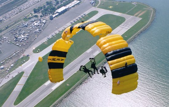 Milcom Monitoring Post: US Army Golden Knights 2012 Airshow Schedule
