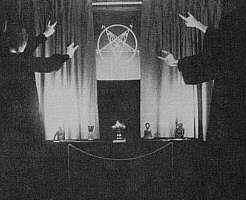 [satanicritualhandsignal5jy.jpg]