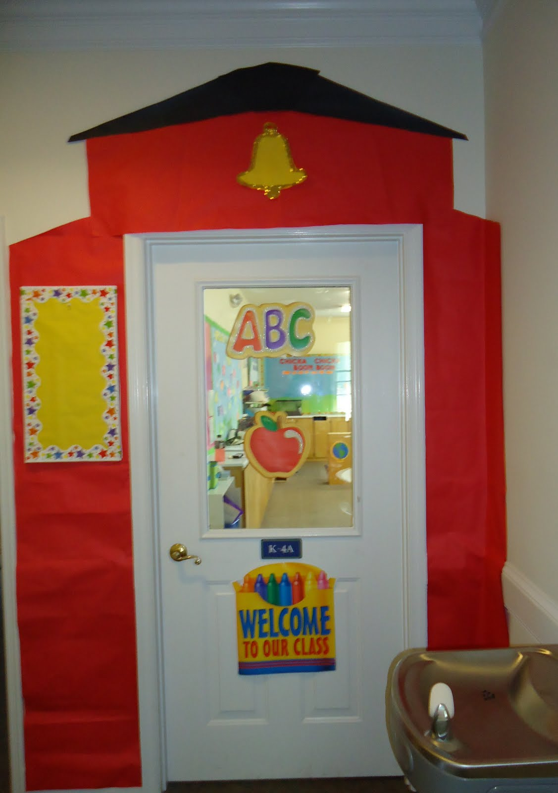 Little illuminations bulletin boards for a new school year for Back to school decoration ideas for teachers