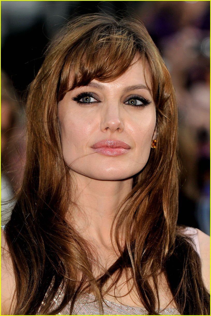 Angelina jolie makyaj sirlari