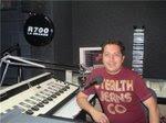 Juan Lecca En los Estudios de R700 La Grande Satelital