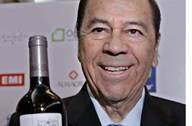 LUCHO GATICA Y SU VINO CON SABOR A BOLERO