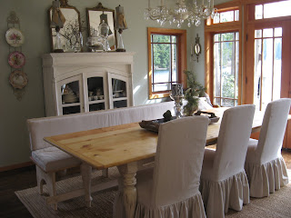 Decorate Dinning Space With Elegant Furniture-020