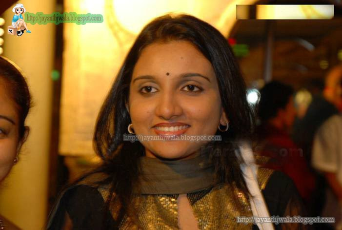 [Kavya+Marriage+Party+44.jpg]
