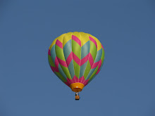 Balloon with pink zigzags