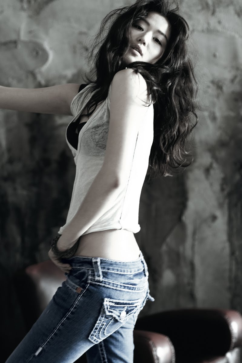 Jun Ji-hyun - Photo Actress