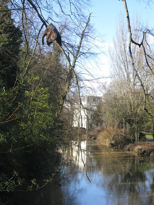 View of the river Leam from the pump room gardens footbridge