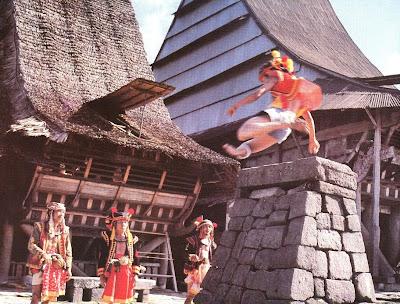Hombo Batu Tradisi Nias Tanoniha