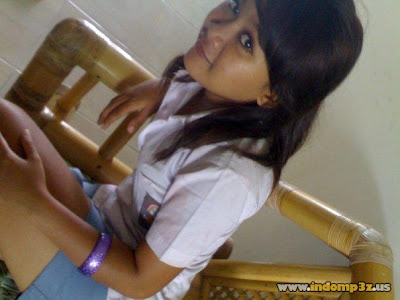 pocongggg.blogspot.com - Foto Cewek SMA Sexy Pamer Paha Mulus