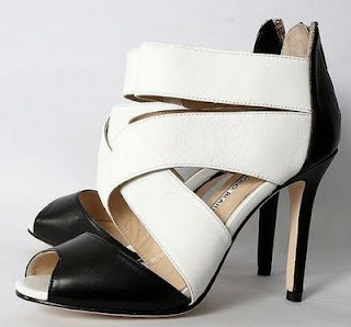 Style Definition Sandale Manolo Blahnik Pret 515 Ron