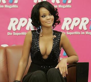 http://1.bp.blogspot.com/_MgMFaY9LZWo/TKB86mb4l9I/AAAAAAAAAWw/7_73AD2-ay8/s400/8e13a_celebrity-hairstyles-2.jpg