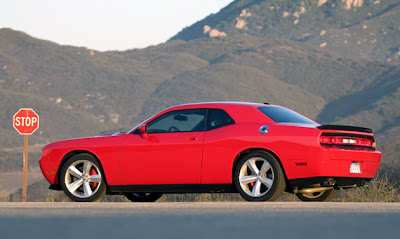 2009 Dodge Challenger SRT8 6-Speed Wallpapers