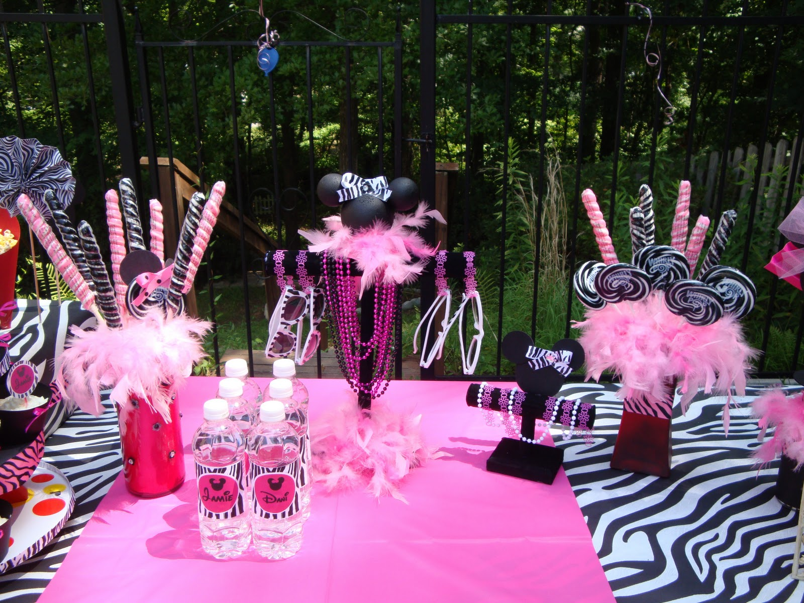 Embracing A Healthy Family My Girls Minnie Mouse Birthday Party