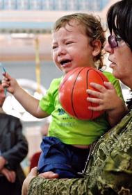 Moshe the young orphan cries for his mother