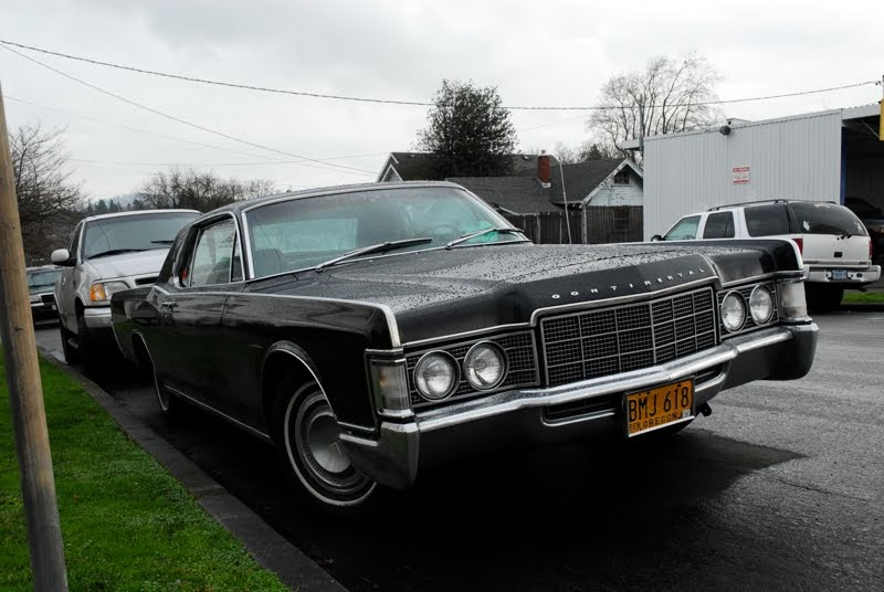 old parked cars 1968 lincoln continental 2 door hardtop. Black Bedroom Furniture Sets. Home Design Ideas