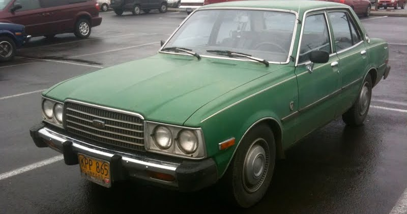 Old Parked Cars   1977 Toyota Corona Deluxe Luxury Edition