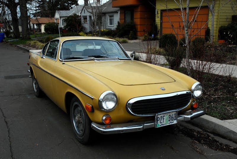 OLD PARKED CARS.: 1971 Volvo 1800E Coupe.