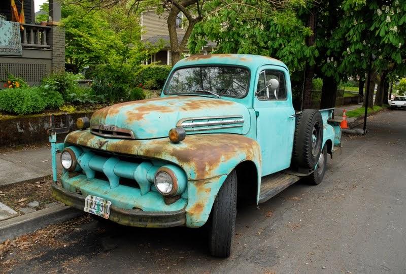 old parked cars 1951 ford f 3. Black Bedroom Furniture Sets. Home Design Ideas