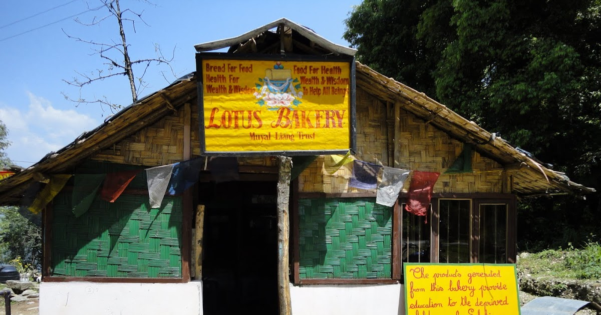 Eve S Lungs The Lotus Bakery On The Pemayangtse Road