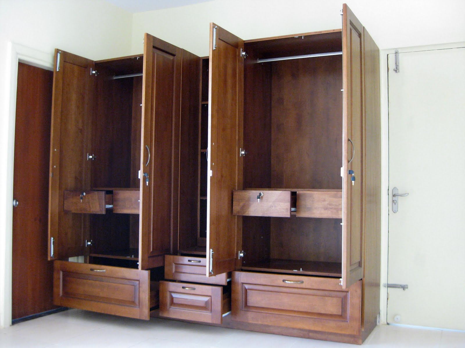 Magnificent Large Wardrobe Closet 1600 x 1200 · 165 kB · jpeg