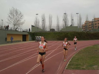 Madrid polideportivos aluche deporte para todos los gustos for Piscina municipal aluche