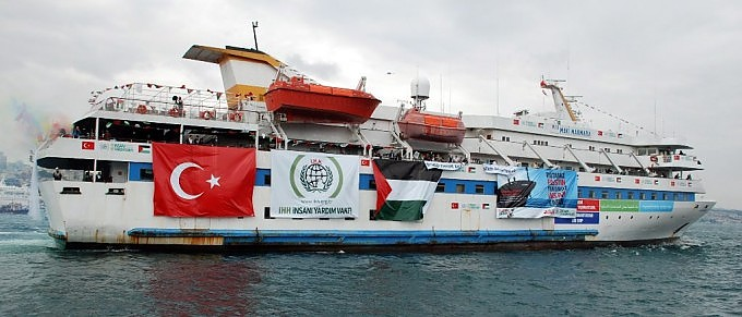 Gli israeliani assaltano le navi della pace